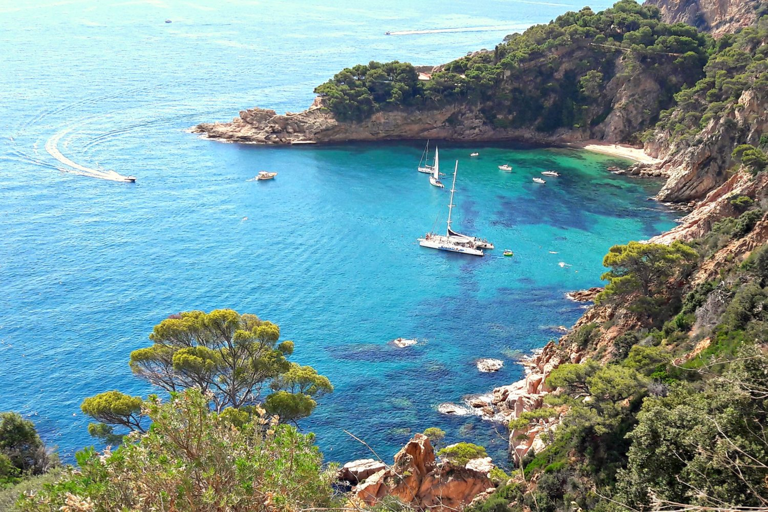 Visit Costa Brava and its most beautiful beaches.