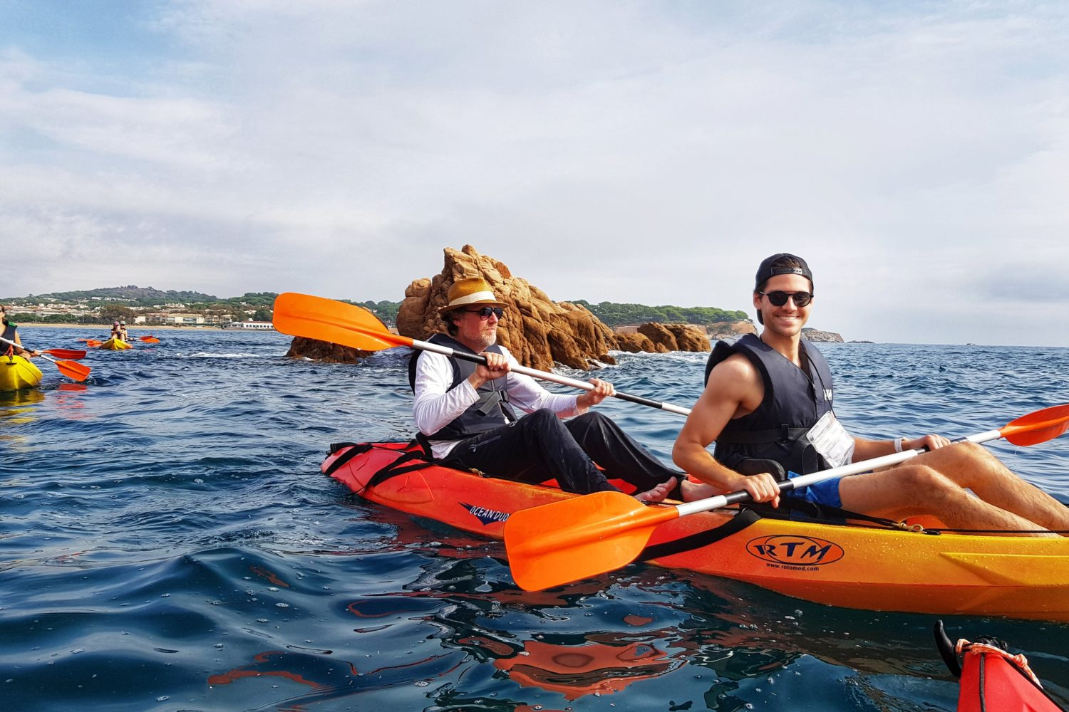 Join the small group kayaking tours in the Costa Brava and have a fantastic day.