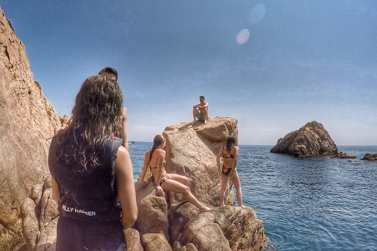 Picnic stop and cliff jumping on the small group kayaking tour in the Costa Brava.
