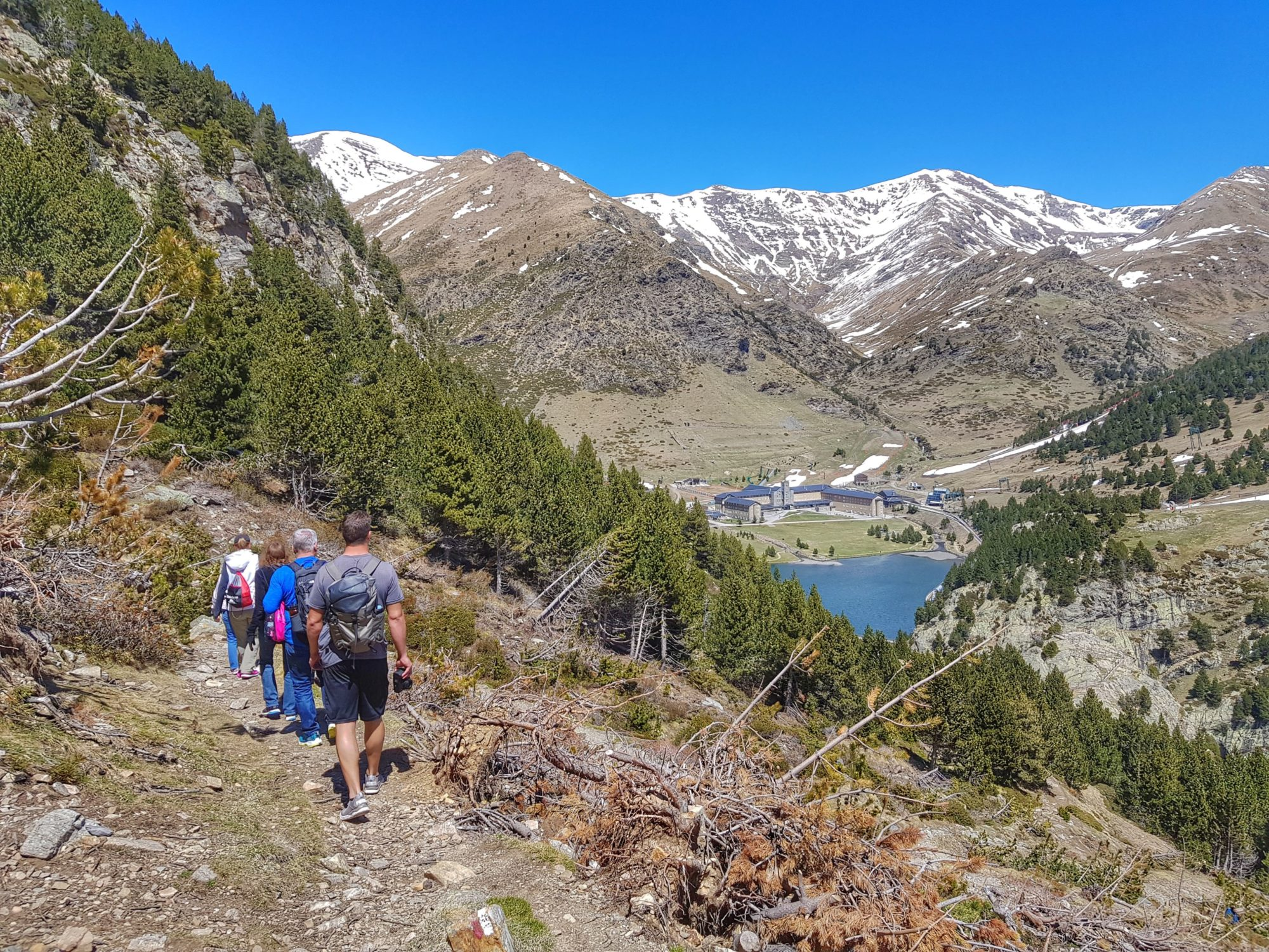 Follow the beautiful trail Les Coves around the Nuria Valley