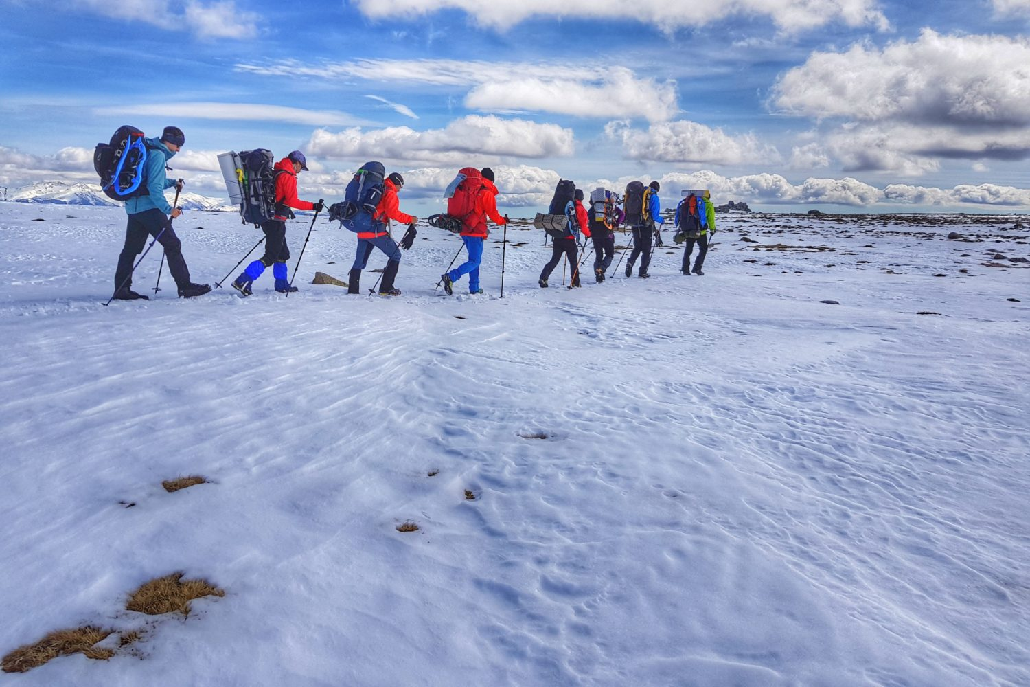 The small group and highly personalized snowshoeing tours in the Pyrenees