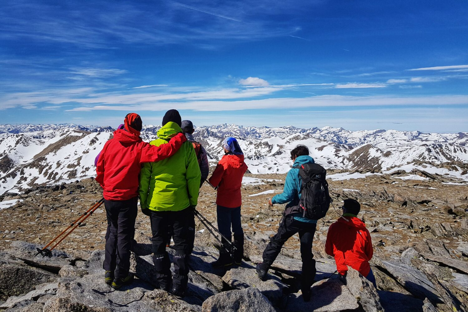 Hiking and snowhoeing in the Pyrenees