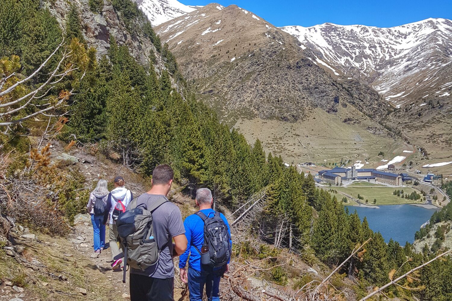 Hiking experience in the Nuria Valley